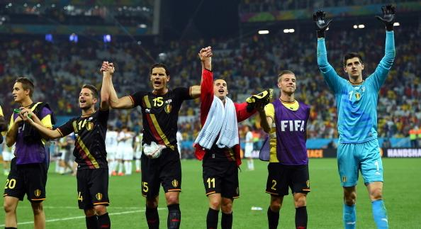 SAO PAULO, BRAZIL - JUNE 26:  Belgium players acknowledge the fans after defeating South Korea in...