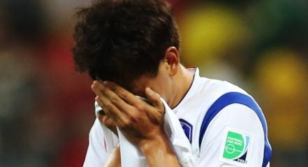 SAO PAULO, BRAZIL - JUNE 26:  Dejected Ji Dong-Won of Korea after their defeat during the 2014 FI...
