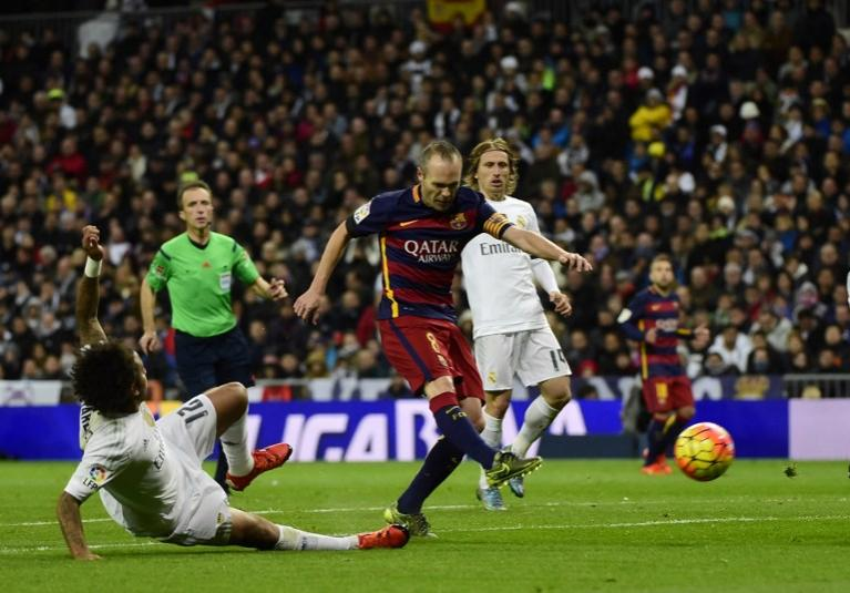 Andres Iniesta Scoring against Real Madrid