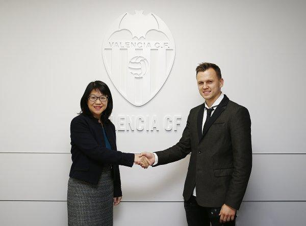 Denis Cheryshev joins Valencia CF on loan