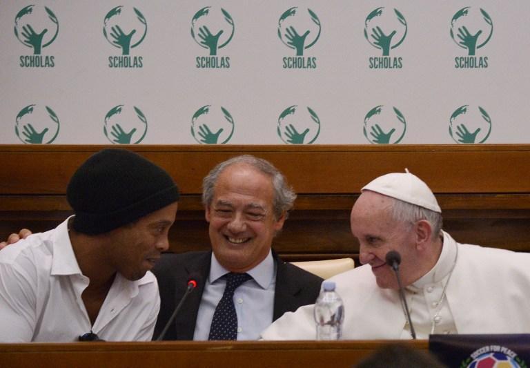 Ronaldinho, Pope Francis