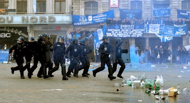 French police fight with Everton fans ahead of Europa League ...